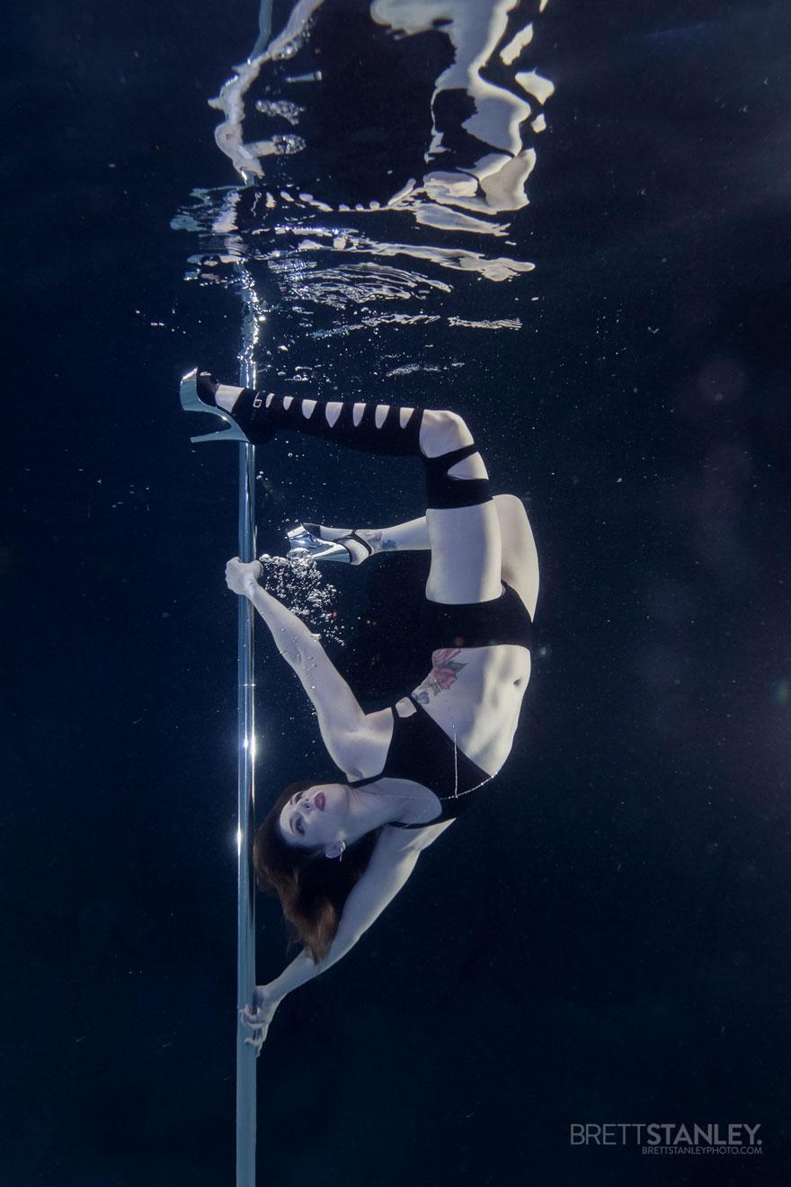 underwater pole dancing Brett Stanley photography boomkats polewear3