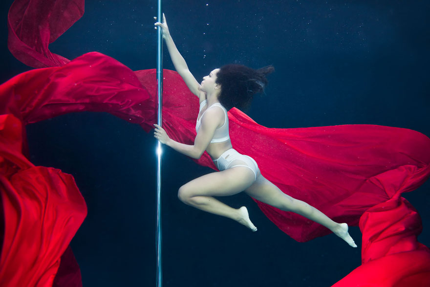 underwater pole dancing Brett Stanley photography boomkats polewear6