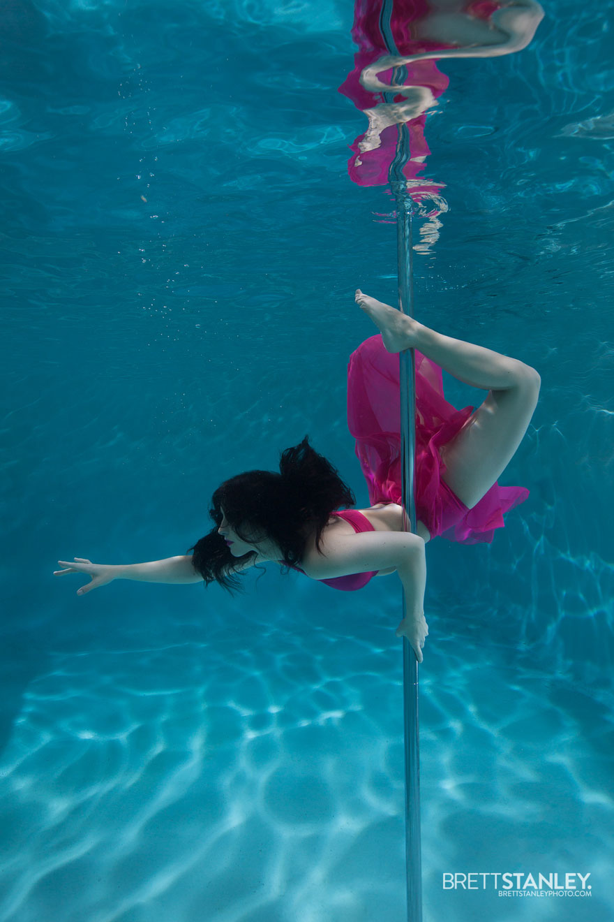 Underwater pole dance boomkats pole wear Brett Web1