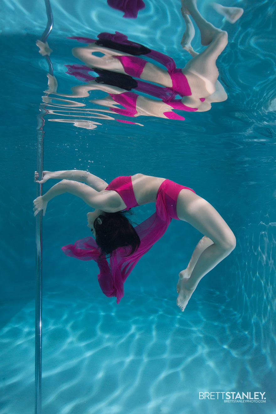 Underwater pole dance boomkats pole wear Brett Web2