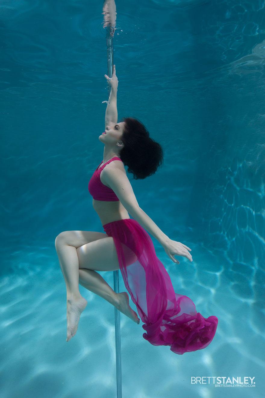Underwater pole dance boomkats pole wear Brett Web6