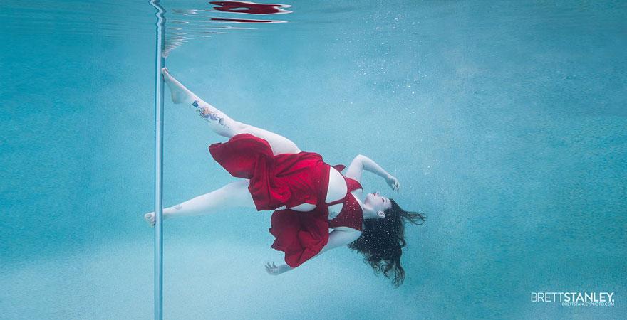 underwater pole dance 1