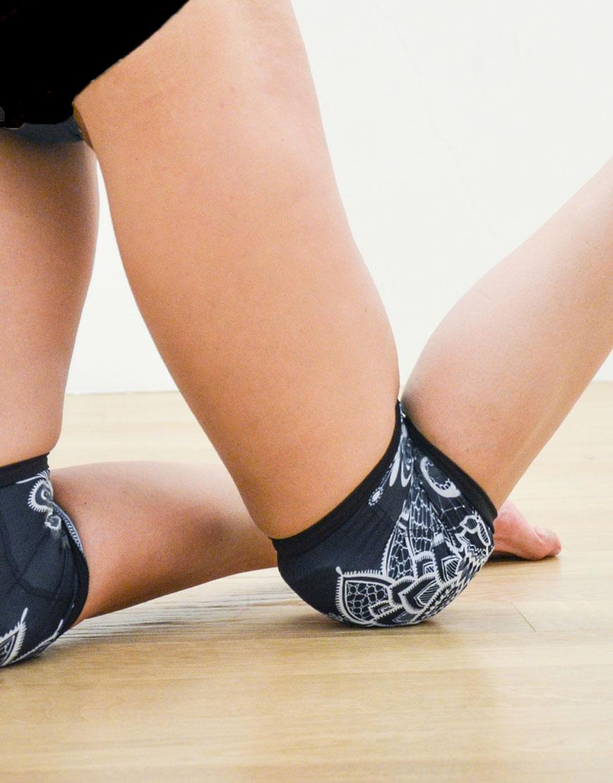 boomkats pole dance knee pads blacklace5