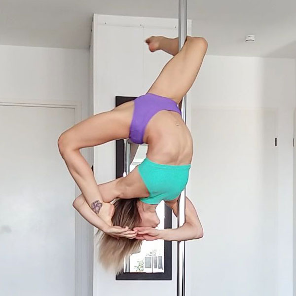 boomkats Leslie Lili pole dancer 5