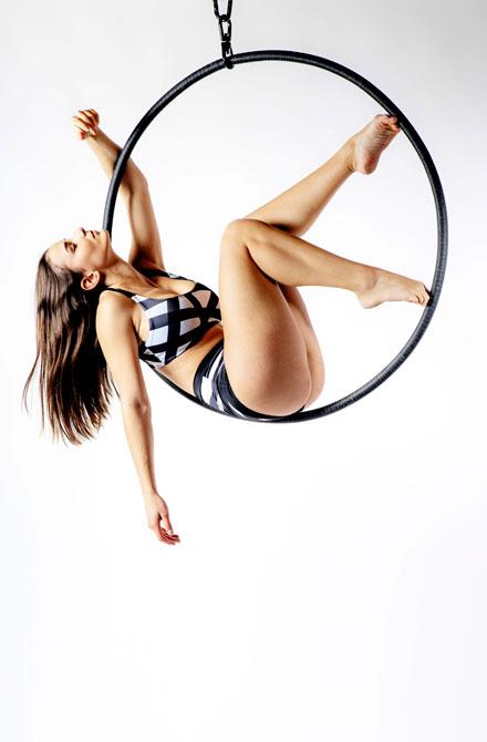 boomkats aerial hoop poses 6